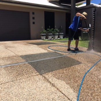 Sunshine Coast Home Driveway pressure cleaning services